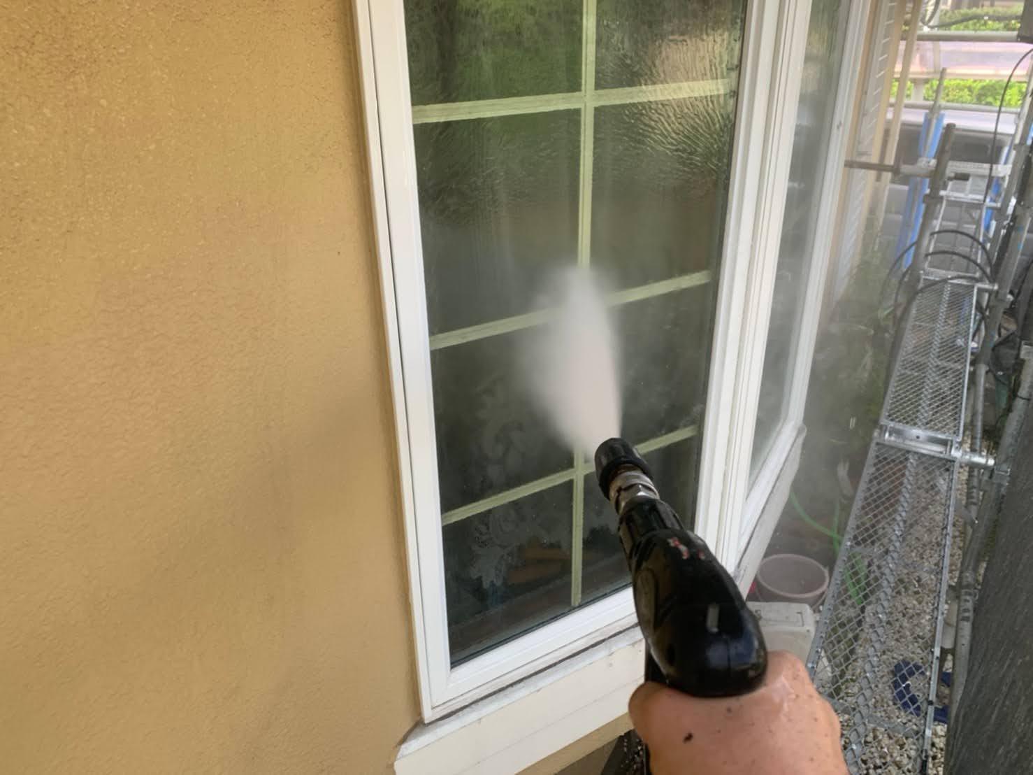 窓の高圧洗浄の画像